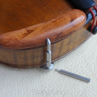 Chinrest – Violin - Walnut - Bottom-mounted fittings